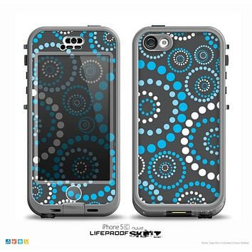 The Retro Blue Circle-Dotted Pattern Skin for the iPhone 5c nüüd LifeProof Case