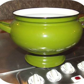 Vintage 60s AVOCADO Green Enamelware Soup Tureen Serving Bowl Mid Century Modern