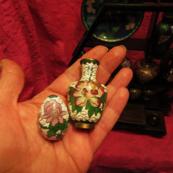 Amazing Vintage Cloisonne  Miniature White Set of 2  Vase   And Egg  Free Shipping in USA SALE