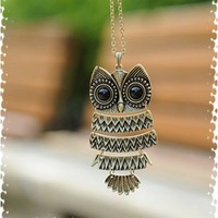 retro owl hollow out necklace