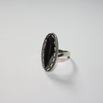 Large Antiqued Sterling Silver with Oval onyx Stone Ring Vintage Sterling Silver Ring Size 7.5 - free ship US