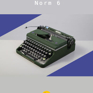 1948 Triumph Norm 6 Typewriter. Restored & fully working. Pre-war design. Green. German portable. West Germany.