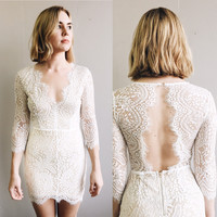 A Lace Fit V Neck Bodycon Dress in White