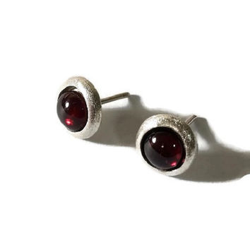 Garnet Earrings, Silver stud earrings, Silver Earrings, Silver Studs, January birthstone, wedding,  minimalist earrings, gemstone studs