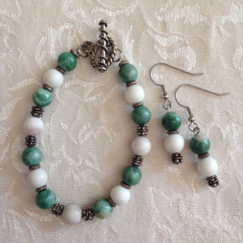 Mountain & African Jade semi-precious handcrafted beaded bracelet and earring set Women Girls Jewelry Chic Antique Silver Toggle Clasp Boho