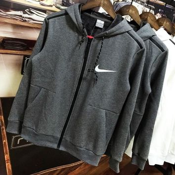 NIKE 2018 winter new plus velvet warm sports training sports jacket Grey