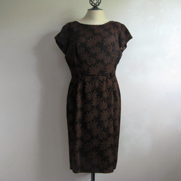 Vintage 1950s Wiggle Dress Dark Brown Crinkle Floral Motif 50s Day Dress Medium