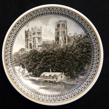 "Wedgwood Cathedrals of Britain - Lincoln Cathedral - Bone China - 6""plate - Vintage 1960s - Collectible Plates - Enghlish China"