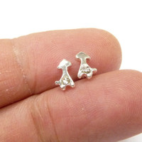 A giraffe mini earrings, a silver plated giraffe earrings, minimalist jewelry