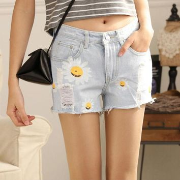 DCCKWQA Hot Sale Summer Denim Shorts Women Daisies Printed Jeans Shorts Light Blue Hole Design Female All-match Casual Shorts Size M-XL