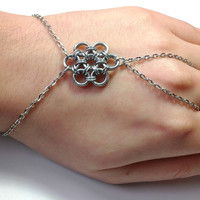 Flower Ring Bracelet Chainmaille Hand Jewelry Chain Ring Bracelet Slave Bracelet Wedding Jewelry Wrist Ring Bracelet Fashion Bracelet