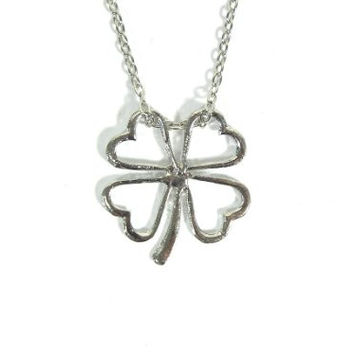 Shamrock Necklace Irish Saint Patricks Day Four Leaf Clover Silver Tone NC03 Luck Ireland Pendant
