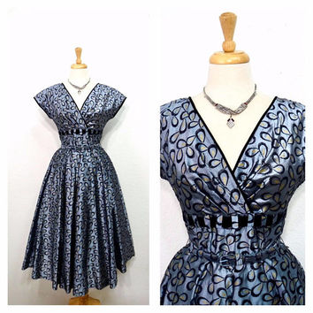 Vintage 1950s dress / 40s silver grey silk taffeta blackvelvet leaf bow Belted Bow Fashion evening cocktail dress S/M dress