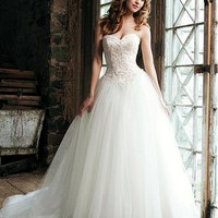 [279.99] Gorgeous A-Line Sweetheart Neckline Wedding Dress For Your Spring Wedding With Lace Appliques - Dressilyme.com