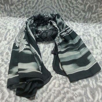 New Versace Women Scarf .made In Italy. 130x130cm. Modal85%+silk15%.