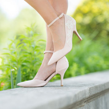 Blush Wedding Shoes - Blush Heels, Blush Bridal Shoes, Wedding Heels, Bridal Heels, Lace Heels, Blush Pumps with Ivory Lace. US Size 9