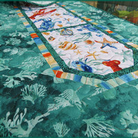 Quilted Table Runner Ocean Tides Green 778