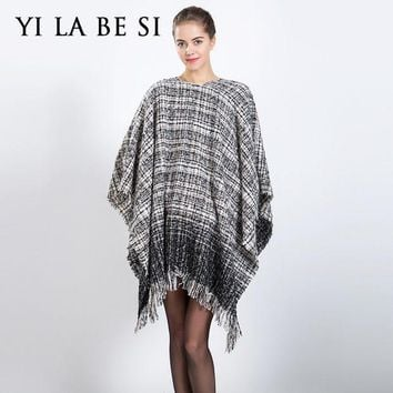 ONETOW 2016 New Women Blanket Poncho Oversized Scarves Catwalk Plaid Capes and Ponchoes Shawl Women Lady Wraps NM300