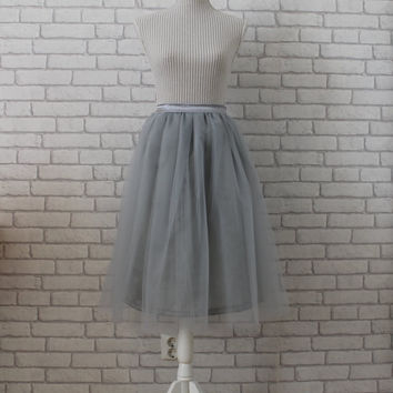 Gray tulle skirt, tulle skirt, women tulle skirt, grey tulle skirt, bridesmaids dress, than length tulle skirt, midi tulle skirt, skirt.