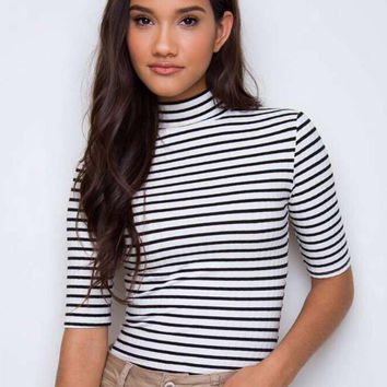 Striped Collar Fifth Sleeve T-Shirt