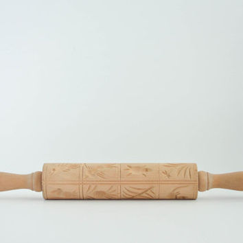 Vintage Wooden Rolling Pin - Springerle - Carved - Tropical - Cookie