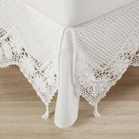 Sweet Crochet Bed Skirt
