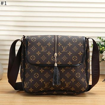 LV 2018 new female models tassel retro flip shoulder bag Messenger bag #1