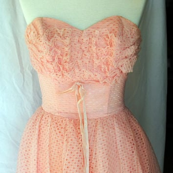 Vintage 1950s Tea Length Strapless Formal Prom Dress Pink Light Salmon Eyelet Lace Metal Zipper