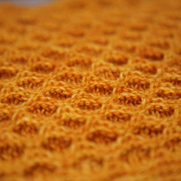 HoneyBee 3-dimensional baby blanket / afghan– Knitting Pattern 3-D textured