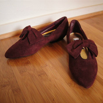 Vintage. 70's 80's. Suede Leather Bow Flats. Brown Maroon. Pointy Toe. Small Wedge. 6 1/2 M
