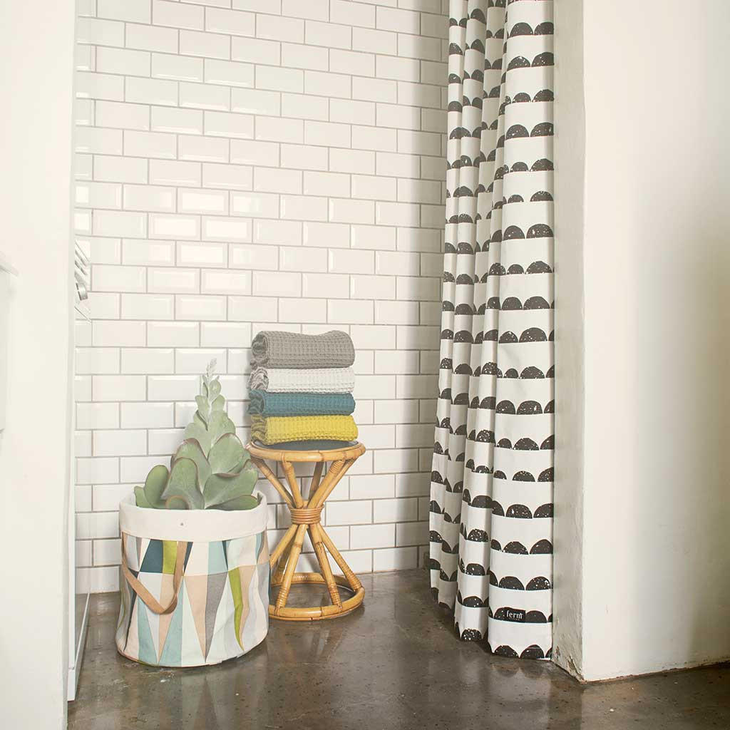 Half Moon Shower Curtain Rod Shower Stall with Curtain