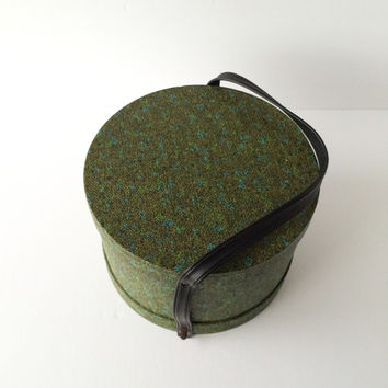 Vintage Wig Case or Hat Box Everbest Originals of Hollywood Florida, Green Vinyl Tweed with Black Carrying Handle, 1960s Wig Case or Hat Box