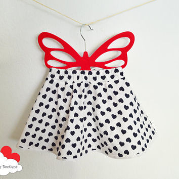 Baby skirt~ valentines skirt~ white baby skirt~ baby heart skirt~ baby cotton skirt~ baby skirt bow~  baby valentines gift~ baby girl outfit