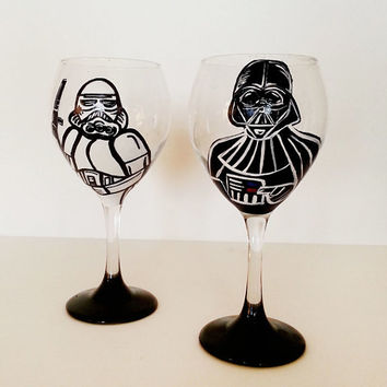 star wars wine glasses - 2 glasses - pick your characters - hand painted - 20 oz