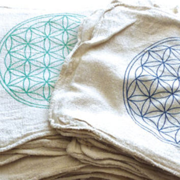 FLOWER OF LIFE--- 1 Crystal Grid Cloth --- all natural --- 100% cotton, sacred geometry grid template