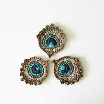 Small Crochet Peacock Feather Appliques / Motifs in GOLDEN BROWN
