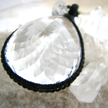 Quartz Crystal Necklace  / Crystal / Quartz / Faceted / Spiritual /  Diamond Cut / Chic / Healing stones / Unique / Jewelry / Statement