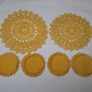 1960s Vintage Marigold Hand Crocheted 6 Piece Doily & Coaster Set, All Cotton, Irish Lace Crochet, Vintage Doilies Linen, Mid Century Decor