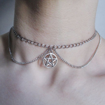 pentagram chain choker, pentacle necklace, pastel goth, grunge, gothic choker