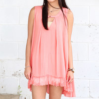 Goin' Solo Lace Trimmed Keyhole Tank {Coral}