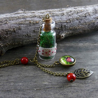 Ladybug and real moss necklace, Nature necklace, Green necklace, Moss pendant, Glass bottle necklace, Glass pendant, Forest Jewelry