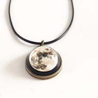 Full Moon necklace,solar system necklaces,planet necklace,Planet Jewelry,Galaxy, Universe,Space,Science Jewelry,geek gifts,chocker