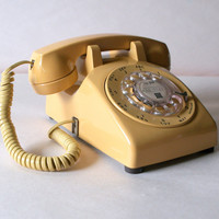 60s WORKING BUTTERCREAM TELEPHONE // Retro by ACESFINDSVINTAGE