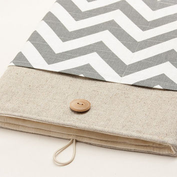 Padded Laptop cover. MacBook case. MacBook 11 Air cover. MacBook 13 Pro with Retina display sleeve. MacBook 15 Pro case.Chevron print cover.