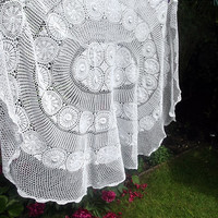 Tablecloth / bed cover / crochet / large / by DollyTopsyVintage