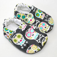 Grey Skulls Cloth Baby Shoes by starlightsound on Etsy