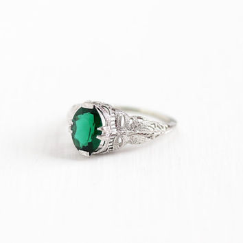 Antique 14k White Gold Art Deco Filigree Simulated Emerald Ring - Size 6 1/2 Vintage 1920s Green Glass Stone Bow Shoulders Fine Jewelry