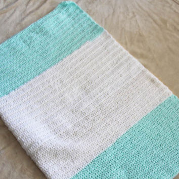 Green and White Baby Blanket / Afghan - Crochet