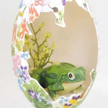 Green BullFrog in Garden Diorama Frog Figurine in Cutout Egg Ornament Home Decor Faberge Style Decorated Goose Egg Art