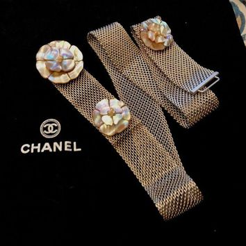 DCCK2JE CHANEL chain belt with pearl spraying